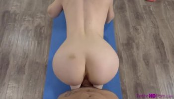 Babe acquires her sexy body massage and screwed