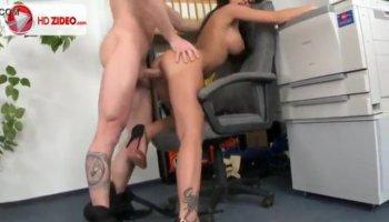 John Strong gets sucked by Samantha Saint
