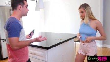 Pretty teen slut Kelly Greene thresome sex in the bedroom